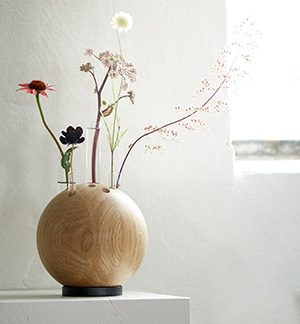 Holzdesign pur: Blumenvase von The OAK Men